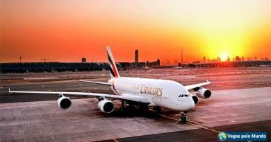 Emirates quer contratar pilotos brasileiros