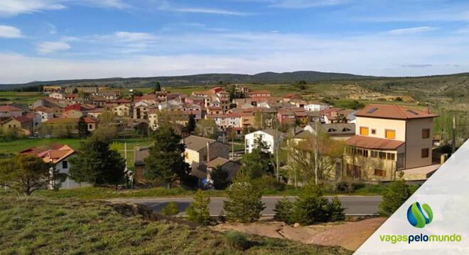 cidade espanhola busca moradores
